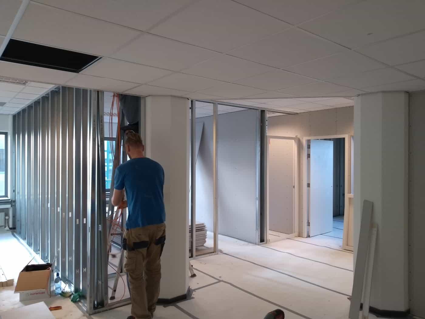 Metalstudwanden plaatsen kantoorpand Rotterdam